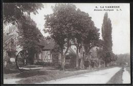 CPA 94 - La Varenne, Maisons Rustiques - LF - Otros Municipios