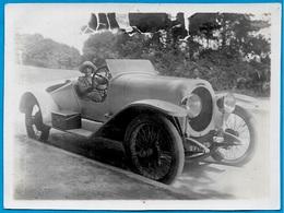 PHOTO Photographie Amateur - Automobile Et Sa Jolie Conductrice ** Voiture Coupé Cabriolet Sport Auto Car - Automobile