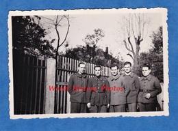 Photo Ancienne - STALAG IV F / Stammlager - Portrait De Soldat Français Prisonnier - Voir Insigne De Vichy ? - WW2 - War, Military