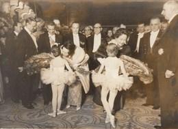 PHOTO ORIGINALE (13x18)  Lopez MATHEOS (mexique) Au Theatre De L Opera En Compagnie De DE GAULLE Et De Mme DE GAULLE - Identified Persons