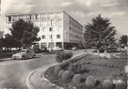 "Peugeot 203,403,Panhard,Arceles-sur-Mer,Hotel ""Beau Rivage"", Gelaufen - Passenger Cars"