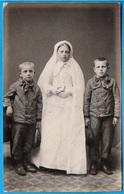 PHOTO Photographie Au Format CDV - Communiante Et Ses Petits Frères * Religion Catholique - Photographs