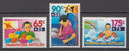 Netherlands Antilles MNH Set And SS - Childhood & Youth