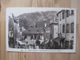 Mont Louis - Grande Rue Et La Poste Du Village - Autres Communes