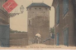 CPA Toilée Orthez - Tour Du Pont Vieux Et Fenêtres Des Capérans (avec Petite Animation) - Orthez