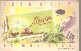 Buvard MENIER Chocolat Au Lait Aux Amandes Grillées - Chocolat