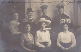 AK Foto Deutsche Soldaten Mit Zivilisten - Frauen Mit Hut - Atelier Mignon, Berlin - 1911 (38826) - Weltkrieg 1914-18