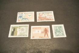 K15896 - Stamps Mint Hinged Korea 1960-62 - Corée (...-1945)