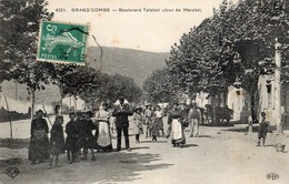 La Grand-Combe  30   Le Boulevard Talabot Un Jour De Marché Tres Tres Animé - La Grand-Combe