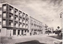 MILAZZO - PIAZZA BAELE - ANIMATA CON BICI + AUTO D'EPOCA CAR VOITURE - Other Cities