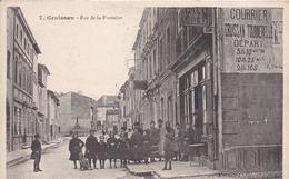 11 GRUISSAN - Rue De La Fontaine - Très Animée - Éd. PALAU - Francia