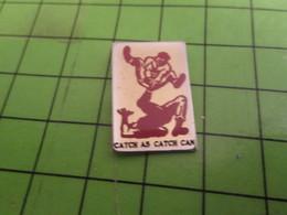 513E Pin's Pins / Beau Et Rare : Thème SPORTS / LUTTE CATCH AS CATCH CAN - Lutte