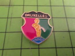 411G Pin's Pins / Beau Et Rare : Thème VILLES / BRUXELLES MANNEKEN PIS - Cities