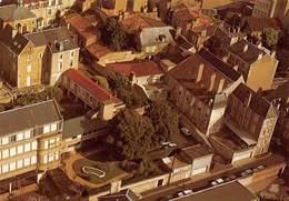 D-19-582 : POITIERS. CLINIQUE DE LA PROVIDENCE. RUE DU MOULIN A VENT. VUE AERIENNE. - Poitiers
