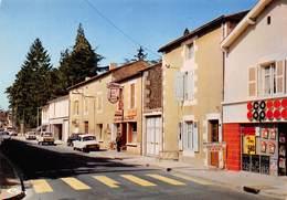 D-19-587 : SAINT JULIEN L'ARS. MAGASIN COOP - Saint Julien L'Ars