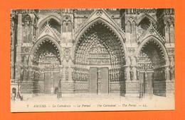 CPA FRANCE 80  ~  AMIENS  ~  7  La Cathédrale - Le Portail  ( LL ) - Amiens