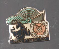 Pin's MUSEE D'ORSAY XIX EME PAR DUBOURG 1989.....BT4 - Cities