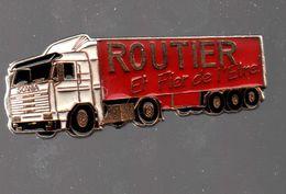 Pin's ROUTIER ET FIER DE L'ÊTRE..2 POINTS D'ATTACHE.....BT4 - Transportes