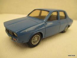 Voiture  Miniature 1/43 Em  RENAULT 12   Peinture D'origine Bleue     Tres Bon Etat - Toy Memorabilia