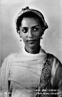 ETHIOPIE ADDIS ABABA A CHARMING MODERN ETHIOPAN GIRL CARTE PHOTO - Etiopía