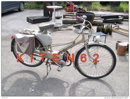Cyclomoteur De Marque Mobylette De Type AV 33-1959. Photo Prise à Riec Sur Belon. - Cyclisme
