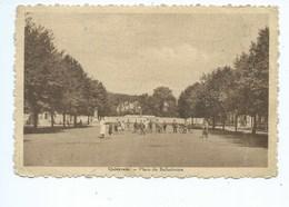 Quievrain Place Du Ballodrome ( Carte Pliée Et Froissée à Droite !!! ) - Quiévrain