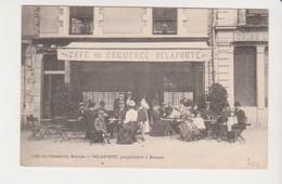 26663 Rennes 35 Café Du Commerce Delaporte Proprietaire  -sans éd - -terrasse Criée Vers 1910 ? Rue Jules Simon?? - Rennes