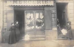 A-19-988 :  CARTE-PHOTO.  MAGASIN DE MERCERIE - Shops