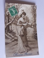 Lot B De 20 Cpa Femme En Robe Longue - Cartes Postales