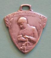 Médaille En Métal Blanc - École Lafayette Pour Orphelins De Guerre à Champagne Sur Seine - Professionnels / De Société