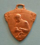 Médaille En Métal Jaune - École Lafayette Pour Orphelins De Guerre à Champagne Sur Seine - Professionnels / De Société