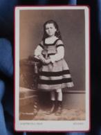 Photo CDV Reynouls à Béziers - Fillette Debout Jolie Robe Circa 1870-1875 L421 - Photos
