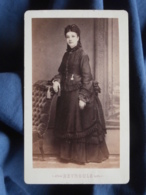 Photo CDV Reynouls à Béziers - Jolie Jeune Femme, Robe à Faux Cul Circa 1875-80 L421 - Anciennes (Av. 1900)
