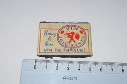Buvez Le Bon Vin De France Joie Santé Horizontal Raisin Garçon Verre - Boites D'allumettes - Etiquettes