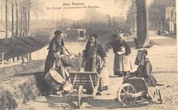 Pontivy - Un Groupe De Lavandières Aux Récollets - Cecodi N'12 - Pontivy
