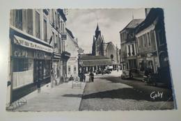 ...cpsm... CAFÉ TABAC LE CELTIC, ESSENCE Commerces, Voitures...Mamers...rue CHEVALIER - Mamers