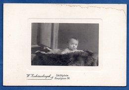Photo -- Enfant  - Schiltigheim - Personnes Anonymes