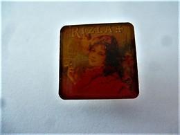 PINS TABAC RIZLA + LA FUMEUSE / 33NAT - Trademarks