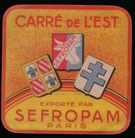 """Etiquette Fromage Carré De L'est Sefropam Paris """"croix De Lorraine, Blason, Vache"""" - Fromage"""