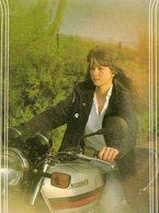 Moto Kawasaki. CP. Jeune Fille Sur Sa Moto Kawasaki. - Motos