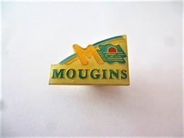 PINS VILLE MOUGINS 06 ALPES MARITIMES / 33NAT - Cities