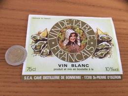 Etiquette «VIN DE TABLE FRANÇAIS - CAVE DISTILLERIE DE BONNEMIE - St-Pierre-dOléron (17)» (coiffe, Huître) - Blancs