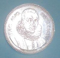 Jacques Auguste De Thou 1861 Bibliophiles Français Fondée En 1820 Argent 10g - Professionnels / De Société