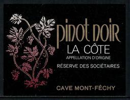 Rare // Etiquette De Vin // Autres // Pinot Noir, Réserve Des Sociétaires - 700ème De La Confédération Helvétique