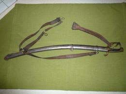 Sabre De Cavalerie Légère 1er Empire Mle An IX Manufacture Klingenthal Avril 1813 Avec Ceinturon Et Dragonne - Armes Blanches