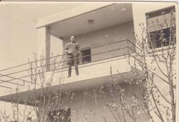 CROATIA, ZADAR   --  JNA, YUGOSLAV OFFICER, MART 1945  ~~  ORIGINAL PHOTO  ~~  8,4 Cm X 6,2 Cm - Militaria