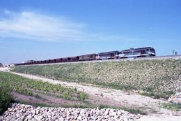 Tavel (30) 16/05/2000 - LGV Méditerranée - Une A1A 68000, Une A1A 68500 Et Une CC 65500 En Tete D'un Train De Travaux - Altri Comuni