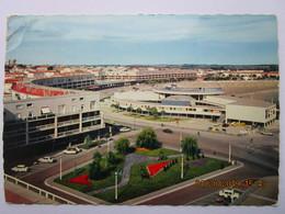 CP 17 ROYAN  Le Casino , La Plage ,ensemble Du Front De Mer ,  Voitures  1966 - Royan