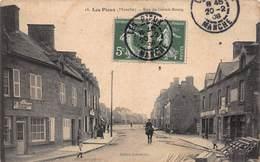 CPA LES PIEUX ( Manche ) - Rue Du Grand-Bourg - Otros Municipios