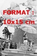 Reproduction D'une Photographie Ancienne Du Manège Des Parachutes à La Foire Du Trône à Paris En 1965 - Repro's